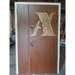 Дверь с логотипом