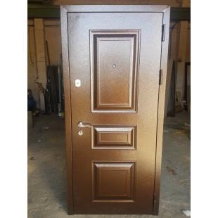 Входная уличная дверь с филенкой Классика